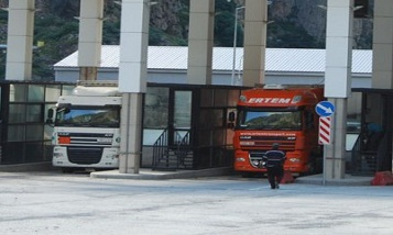 Минтранс Армении: Скопления в Ларсе обусловлены резким ростом туристических потоков
